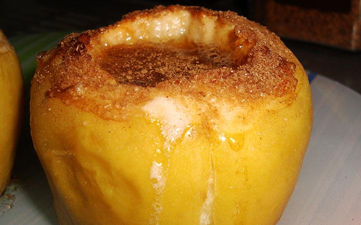 Яблоко запеченое с медом